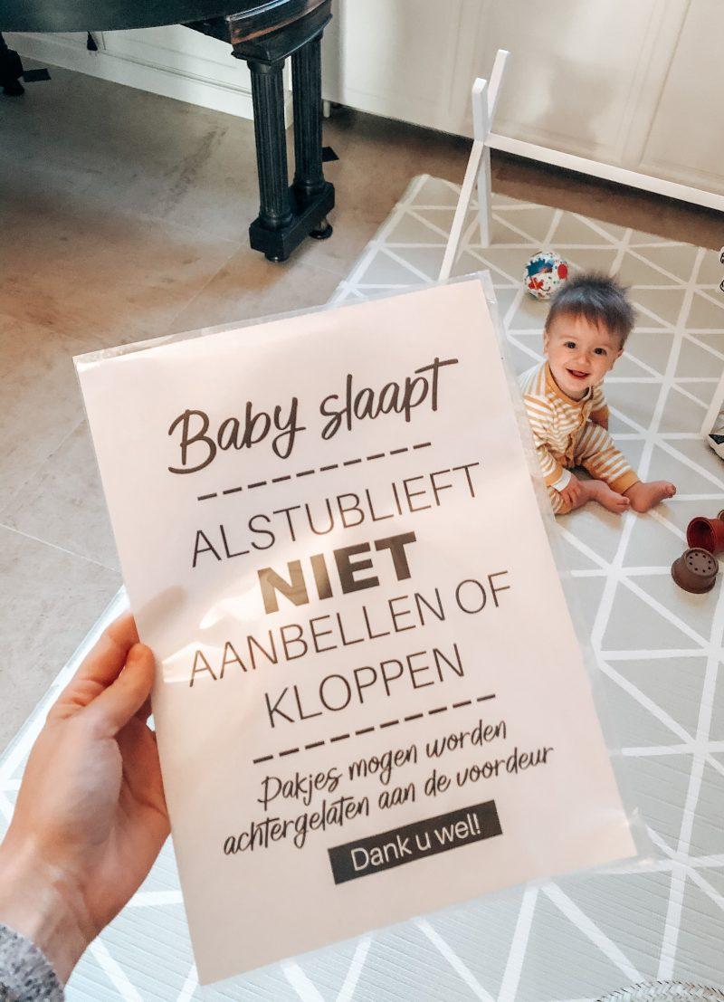 """Printable """"Baby slaapt, niet aanbellen"""""""